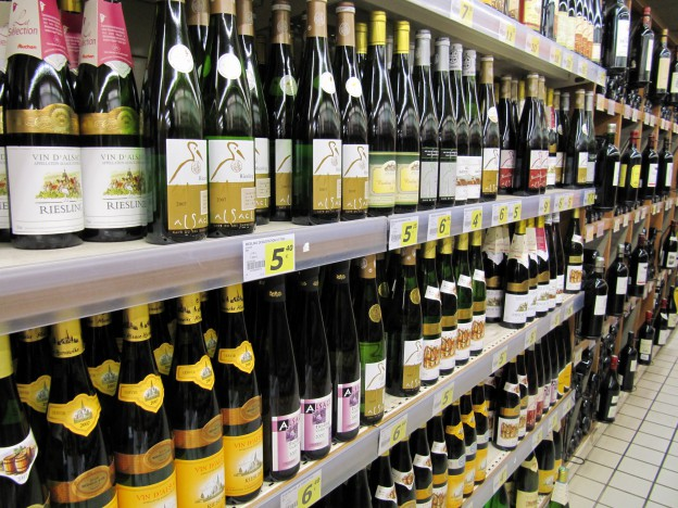 Alsatian_wines_in_a_supermarket